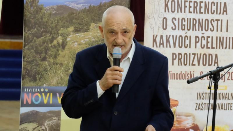 """Predavanje u organizaciji PU Grada Novog Vinodolskog – """"Ekološko pčelarenje"""", predavač Branko Vidmar"""