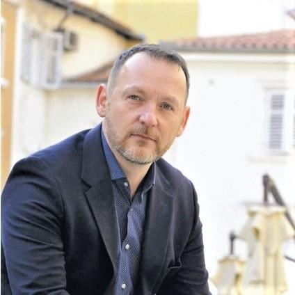 Zašto je kineski med jeftin? Članak dr.sc. Dražena Lušića objavljen u dvobroju Hrvatske pčele (srpanj-kolovoz 2019)